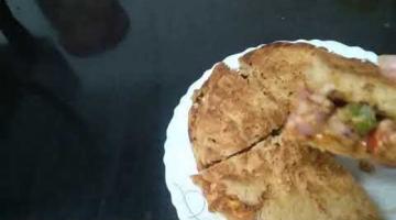 Recipe Crispy Pizza Sandwich from wheat kulcha