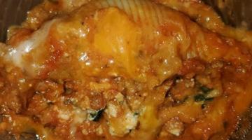 Recipe Stuffed Shells - Quick, easy. and cheesy!